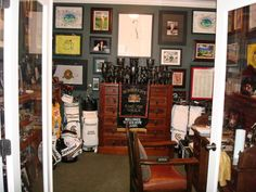 Office Golf Decorations | Golf Office - Home Office Designs - Decorating Ideas - HGTV Rate My ...