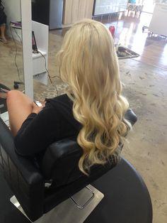 Andrea Prchal Hairstylist Scottsdale Arizona Primo studio hair salon follow me on Instagram: andreaprchalhairaz