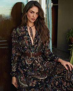 "Fan de Eiza Gonzalez on Instagram: ""Eiza borro su instagram!! #eiza #eizagonzalez #estamoscontigoeiza #eizatica #princessdoll #photooftheday #photography #photoshoot #beauty…"" Ysl, Glenda, Celebrity Magazines, Celebrity Photos, Instyle Magazine, Cosmopolitan Magazine, Girl Fashion, Fashion Design, Mode Style"