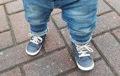 Leren lopen; hoe ging dat bij Nomi en hoe gaat dat bij Lenn? Lees de vergelijking en review van Shoesme BABY-PROOF® Smart eerste stapschoentjes op madebymalou.nl