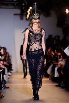 Paris Fashion Week 2015: John Galliano