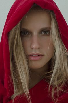 Chaia (Jessica Niiranen, 2018) Red Leather, Leather Jacket, Jackets, Photography, Fashion, Studded Leather Jacket, Down Jackets, Moda, Leather Jackets