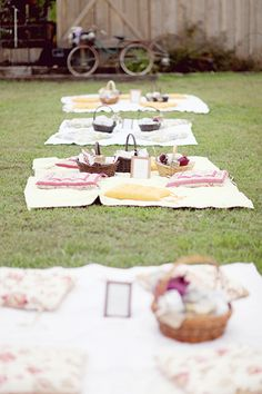 Gorgeous idea for a wedding reception. A picnic filled with yummy organic and locally sourced treats.