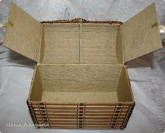 Сундук из деревянной салфетки (система хранения, допустим для ручного шитья). Decorative trunk from a wooden placemat from Dollar Store. Storage for handsewing.