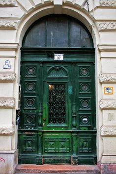 Andrassy Avenue  - Budapest - The wibbley bits
