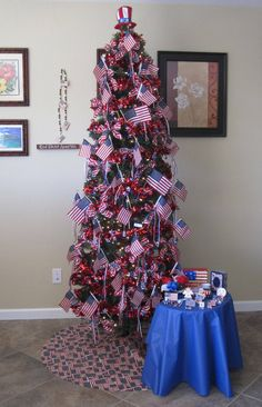 Patriotic Christmas Tree #1: 4d7d12dd95ec65ddd5d850b db27 holiday tree christmas trees