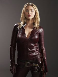 """""""Legend of the Seeker"""" - Cara's """"good"""" Mord-Sith outfit Sword Of Truth, Sith, Cosplay Girls, Most Beautiful Women, Leather Fashion, Lady, Sexy Women, Leather Jacket, How To Wear"""