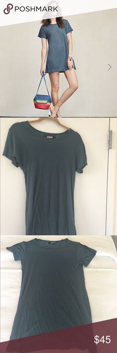 Reformation Jetty Tunic Buy this cool, easy t-shirt dress from Reformation. Their Jetty Tunic is the perfect dress to throw on when it's hot out and you have nothing to wear and want to look cute. Only worn once! Reformation Dresses Mini