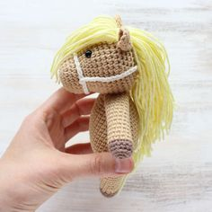 This Cuddle Me Pony amigurumi will make many dreams come true for all young pony lovers. Crochet your own pony using our simple pony amigurumi pattern!