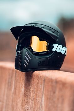 Taking a break with the Bell – Motorcycle Helmets Open Face Motorcycle Helmets, Motorcycle Equipment, Biker Helmets, Motocross Helmets, Scooter Moto, Moto Bike, Cafe Racer Motorcycle, Motorcycle Outfit, Blitz Motorcycles