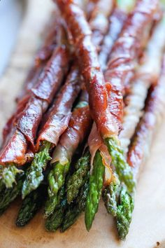 Prosciutto Wrapped Asparagus - The easiest, most tastiest appetizer with just 2 ingredients and 10 min prep! - fantasticsausage