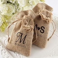 Personalized Rustic Chic Burlap Wedding Favor Bag (Set of 12)
