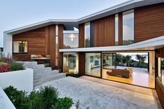 Korokoro House with expansive views over Wellington Harbour / New Zealand