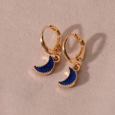 Ear Jewelry, Cute Jewelry, Jewelery, Jewelry Accessories, Jewelry Design, Moon And Star Earrings, Moon Earrings, Moda Aesthetic, Fashion Earrings