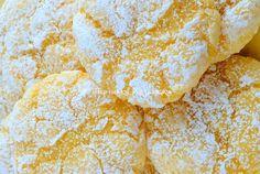 Biscoitos de massa de queijo cottage limão - Perchinka assados Cake Recipes, Snack Recipes, Cooking Recipes, Snacks, Queijo Cottage, Cinnabon, Sweet Desserts, Sugar Cookies, Bakery