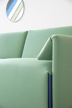 The Costume sofa system, designed in a collaboration between Magis and Stefan Diez, is a pragmatic, transformable furniture.