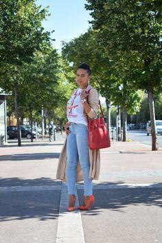 fc6e24a0fcc2 La touche bijou   LovaLinda   Blog Mode Photo Lookbook Marseille   Stella  Jean T-
