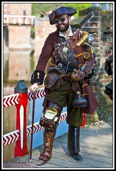 Steampunk Pirate. Mechanical leg by the always-amazing Ian Finch-Field of Skinz-N-Hydez.