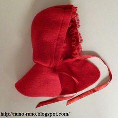 Para realçar a nossa boneca de feltro simples, mais um acessório, uma capinha lembrando a da Chapeuzinho Vermelho.   O original e todos...