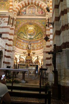 https://flic.kr/p/ptkcUC | Notre-Dame de la Garde | Notre-Dame de la Garde est une basilique néo-byzantine. L'architecte qui a repris le projet a été inspiré par les ors vénitiens. Marseille (France).