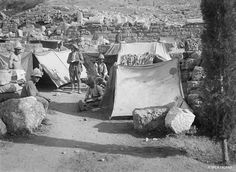 Opérateur K, Στρατοπέδευση στο ιερό του Διονύσου, 8.1917.   © SPCA / ECPAD