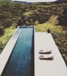 Everyone loves luxury swimming pool designs, aren't they? We love to watch luxurious swimming pool pictures because they are very pleasing to our eyes. Now, check out these luxury swimming pool designs. Pool Pool, Swiming Pool, Pool Decks, Diy Pool, Pool Water, Langer Pool, Piscina Rectangular, Rectangular Pool, Moderne Pools