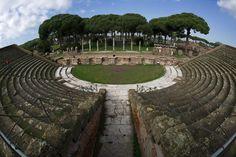 Ostia Antica. Scorcio del Teatro - id: 1276