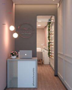 Home Beauty Salon, Home Nail Salon, Hair Salon Interior, Nail Salon Design, Nail Salon Decor, Beauty Salon Decor, Salon Interior Design, Beauty Salon Design, Salons Decor