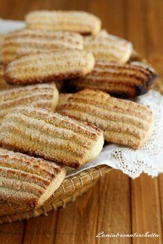 Italian Cake, Italian Cookies, Food C, Good Food, Biscotti Biscuits, Friend Recipe, Cookie Brownie Bars, Pasta Maker, Sicilian Recipes