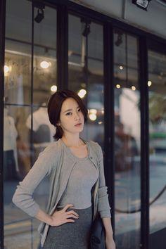 Pretty Asian, Beautiful Asian Women, Korean Beauty, Asian Beauty, Yoon Sun Young, Asia Girl, Korean Model, Ulzzang Girl, Asian Fashion