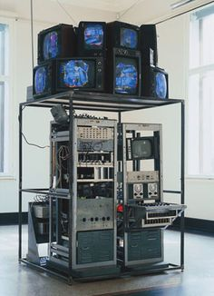 Nam June Paik, Video-Synthesizer, 1969/92Kunsthalle Bremen© Nam June Paik Studios, Inc.Foto: Jürgen Nogai Halle, Nam June Paik, Photography Exhibition, Pedalboard, Medium Art, Installation Art, Liquor Cabinet, Contemporary Art, Sculpture