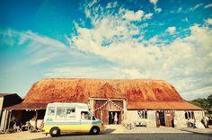Wedding ice cream van. Photography by one thousand words wedding photographers