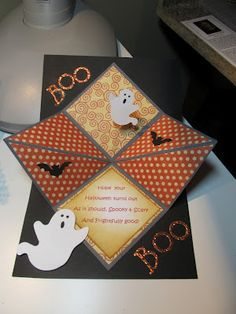 I have been busy making a few Halloween cards I bought some Graphic 45 paper on sale I love the colors of this fabulous paper perfe Stampin Up Karten, Karten Diy, Fancy Fold Cards, Folded Cards, Halloween Birthday, Halloween Fun, Graphic 45, Fall Cards, Holiday Cards