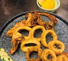 Τα 10 πολύτιμα Μυστικά μου, για τραγανά τηγανητά καλαμαράκια Shellfish Recipes, Onion Rings, Food Hacks, Food Tips, Cooking Tips, Seafood, Grilling, Beverages, Food And Drink