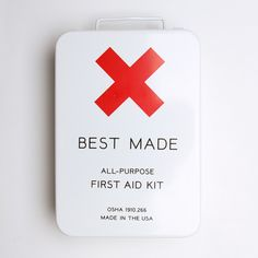 First-aid kit. Because everyone should have one, and this one looks cool. Best First Aid Kit, Emergency Preparedness, Survival, Camping First Aid Kit, Cool Things To Make, How To Make, Camping Supplies, Camping Essentials, Looks Cool