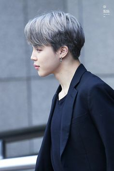 """""""Let me erase the bad memories of that day and make you feel like this is your first time."""" - Park Jimin Plot by: Cover by: Started: 181228"""