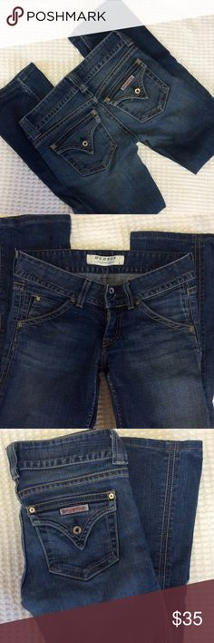 """HUDSON jeans Stretch, 29"""" long, long lasting jeans with very little signs of wear. Notice there is no wear sign in the end of the legs. Hudson Jeans Jeans Boot Cut"""