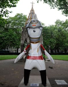 Like my hat? I love parading on horseback at state occasions and showing off my skills. Household Cavalry Mandeville guard is seen in Victoria Tower Gardens, near the Houses of Parliament .