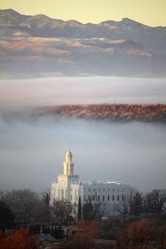 St George Temple - WOW I think I'm in love with this picture.