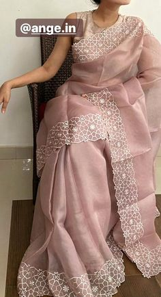 Trendy Sarees, Stylish Sarees, Fancy Sarees, Cotton Saree Designs, Silk Saree Blouse Designs, Saree Embroidery Design, Embroidery Boutique, Couture Embroidery, Cutwork Saree