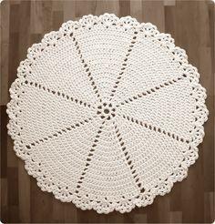 Pirjon kädenjälkiä: Virkattu matto / Lace Rug