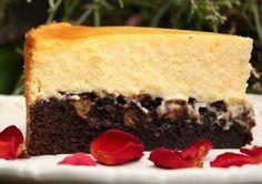 A decadent Cappuccino Brownie Cheesecake Brownie Cheesecake, Best Cheesecake, Cheesecake Desserts, No Bake Desserts, Easy Desserts, Delicious Desserts, Dessert Recipes, Ice Cream Birthday Cake, Bakery Recipes