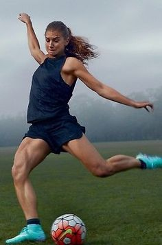 Super sport hairstyles for girls soccer alex morgan Ideas – World Soccer News Volleyball Motivation, Sport Motivation, Super Sport, Alex Morgan Poster, Alex Morgan Body, Alex Morgan Quotes, Girls Soccer, Nike Soccer, Soccer Cleats