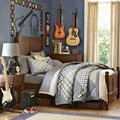 Music Room Theme! LOVE the vinyls around the bed!!!!