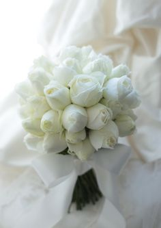 Stunning in etheral pure white! White Wedding Bouquets, Wedding Flower Arrangements, Bride Bouquets, Flower Bouquet Wedding, Bridesmaid Bouquet, Tulip Bouquet, Peonies Bouquet, Rose Bouquet, Blush Bridal Showers