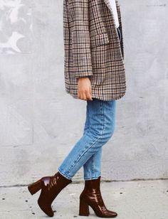 Casual classy chic ove - Women Blazer Jackets - Ideas of Women Blazer Jackets - White sweater plaid blazer jacket jeans ankle boots. Look Blazer, Blazer Jacket, Plaid Blazer, Blazer Jeans, Plaid Coat, Casual Blazer, Blazer Dress, Denim Jeans, Mode Outfits