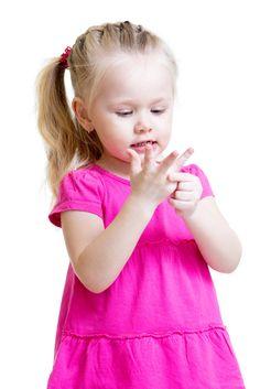Lustige Tier-Fingerspiele schon für die jüngsten Kita-Kinder