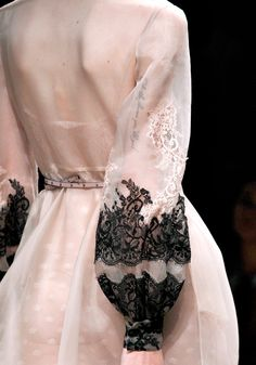 Contrast lace sleeves~Valentino Sp12