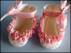 Baby Shoes with Ruffle Ribbon - Sizes Newborn-16mths