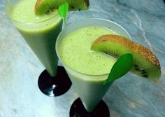 Kivis almaturmix lenmaggal 🍏🥝 recept foto Smoothie Recipes, Smoothies, Cooking Recipes, Healthy Recipes, Slushies, Cocktail Drinks, Drinking Tea, Panna Cotta, Beverages